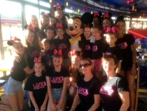 29 performers in disneyland paris